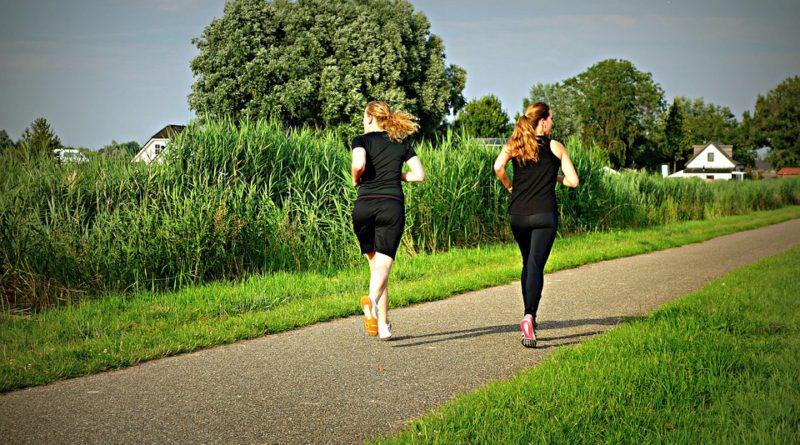 oblečení na outdoorové sporty