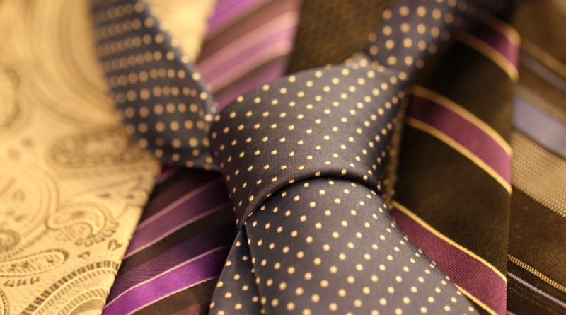 Chcete si vzít na ples kravatu? Víme, jaké se nyní nosí