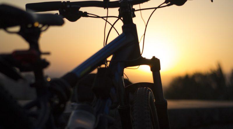 Patříte k vášnivým cyklistům? A máte na kole všechny potřebné reflexní prvky?